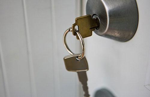 cách xử lý chìa khóa bị kẹt