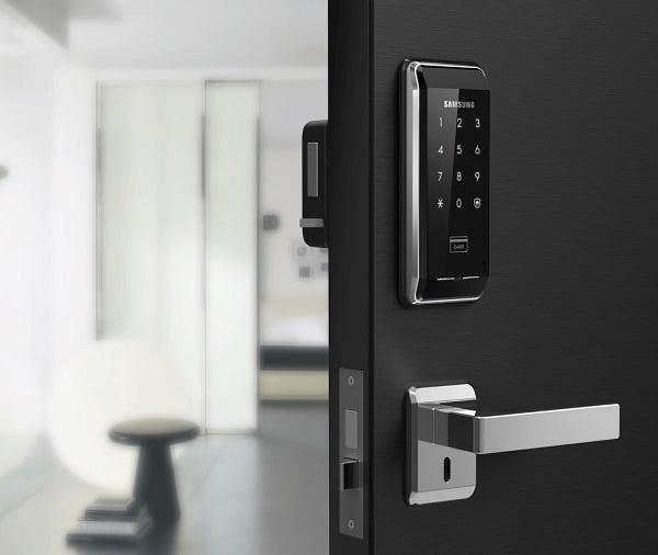 phương thức hoạt động của khóa cửa thông minh